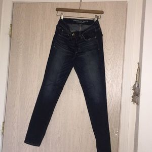 American Eagle dark washed skinny jeans